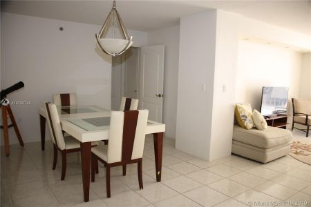 5757 Collins Ave #1204 photo03