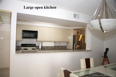 5757 Collins Ave #1204 photo04