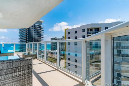 5900 Collins Ave #1201 photo03