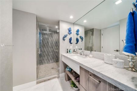 16485 Collins Ave #938 photo044