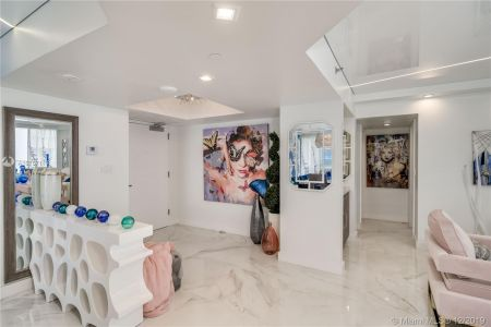 16485 Collins Ave #938 photo046