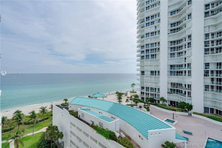 16485 Collins Ave #938 photo047