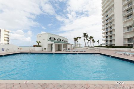 16485 Collins Ave #938 photo061