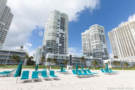 16485 Collins Ave #938 photo063
