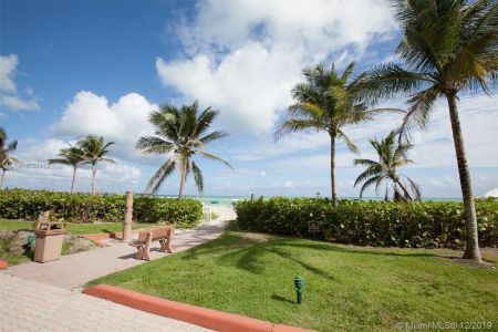 16485 Collins Ave #938 photo071
