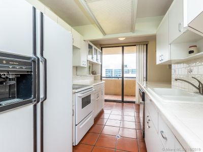 2555 Collins Ave #2200 photo026