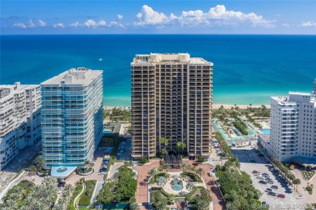 9999 Collins Ave #8A photo01