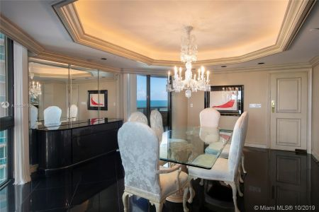 9999 Collins Ave #8A photo04