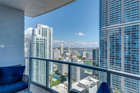 1060 Brickell Ave #3703 photo01