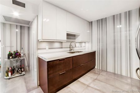 5555 Collins Ave #14W photo04