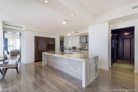 17749 Collins Ave #501 photo010