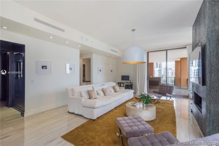 17749 Collins Ave #501 photo020