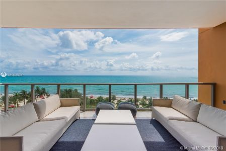 17749 Collins Ave #501 photo027