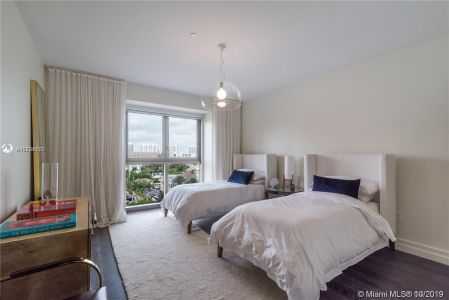 17749 Collins Ave #501 photo06