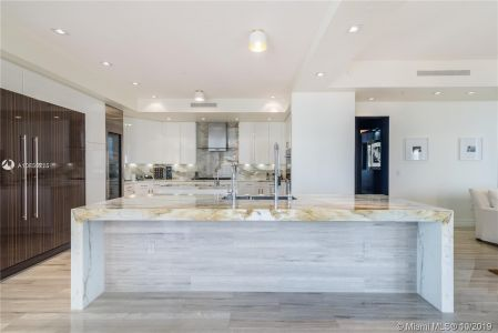 17749 Collins Ave #501 photo08