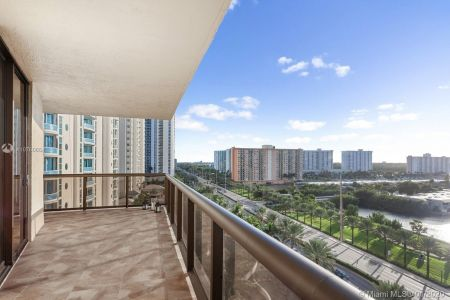 16275 Collins Ave #904 photo011