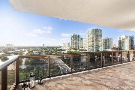 16275 Collins Ave #904 photo04