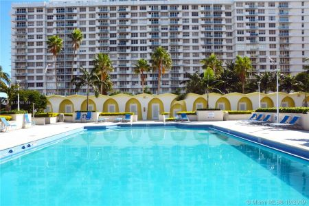 5600 Collins Ave #10R photo033
