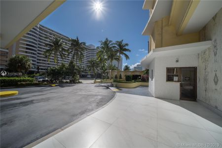 5600 Collins Ave #10R photo035