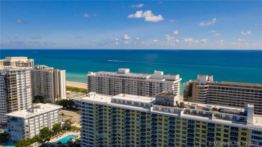 5600 Collins Ave #10R photo05