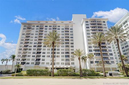 5700 Collins Ave #5L photo034