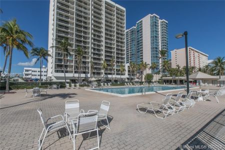 2625 Collins Ave #1209 photo013