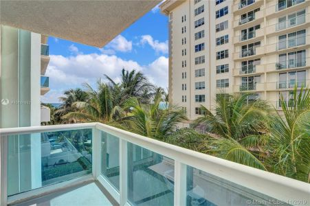9201 Collins Ave #324 photo026