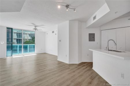 9201 Collins Ave #324 photo05
