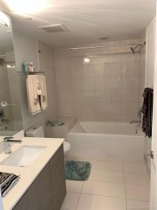 460 NE 28th St #2604 photo016