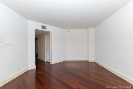16485 Collins Ave #434 photo016