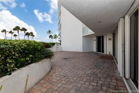 16485 Collins Ave #434 photo018