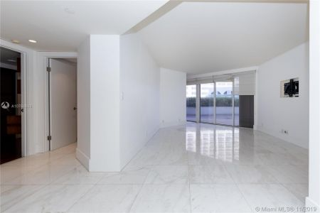 16485 Collins Ave #434 photo02