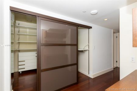 16485 Collins Ave #434 photo023