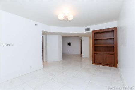 16485 Collins Ave #434 photo026