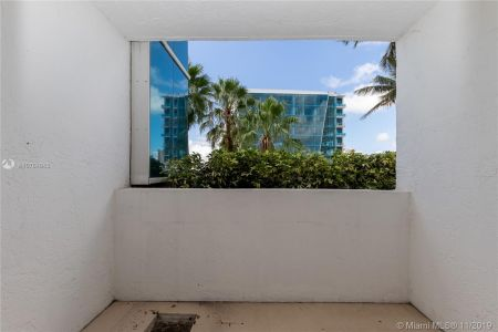 16485 Collins Ave #434 photo028