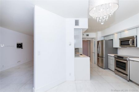 16485 Collins Ave #434 photo03