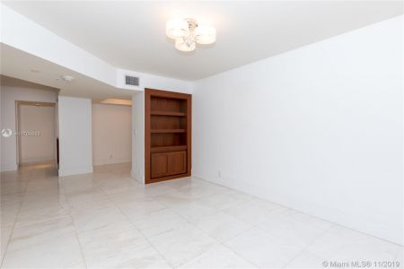 16485 Collins Ave #434 photo030