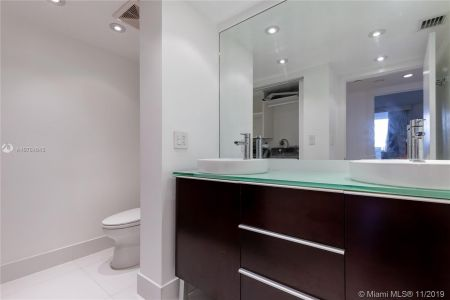 16485 Collins Ave #434 photo036