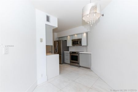 16485 Collins Ave #434 photo06