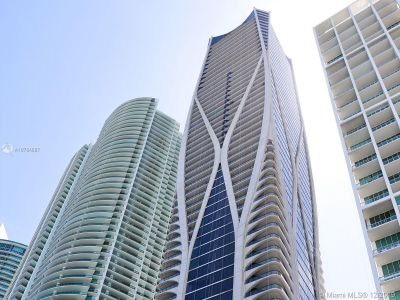 1000 Biscayne Blvd #1501 photo01