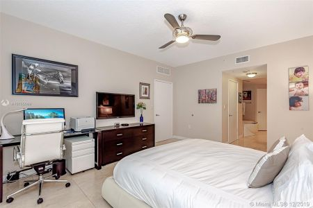 16275 Collins Ave #2304 photo019