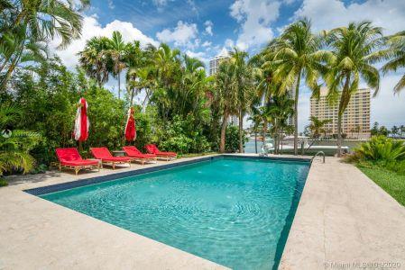 Nautilus - 4731 Pine Tree Dr, Miami Beach, FL 33140
