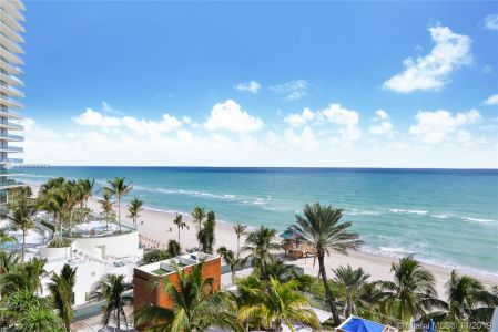 18911 Collins Ave #801 photo015