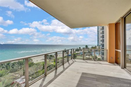 17749 COLLINS AVE #502 photo019