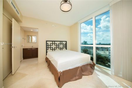 3801 Collins Ave #901 photo019