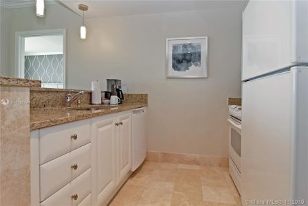 4401 Collins Ave #1205/1207 photo011