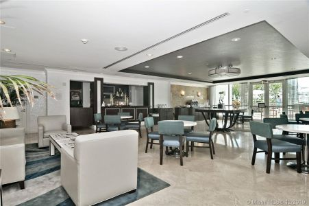 Fontainebleau Tresor #2905 - 4401 Collins Ave #2905, Miami Beach, FL 33140