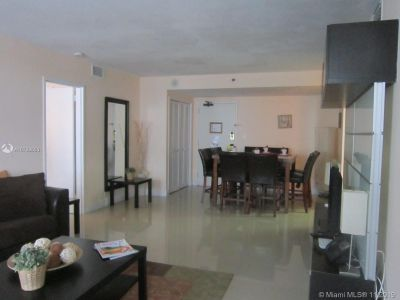 5225 Collins Ave #1516 photo010