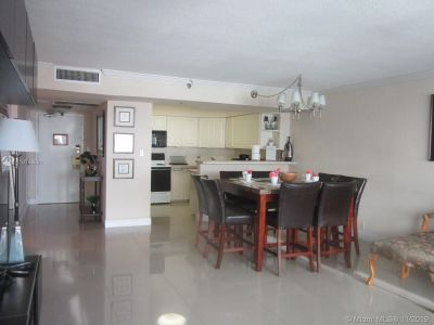 5225 Collins Ave #1518 photo012