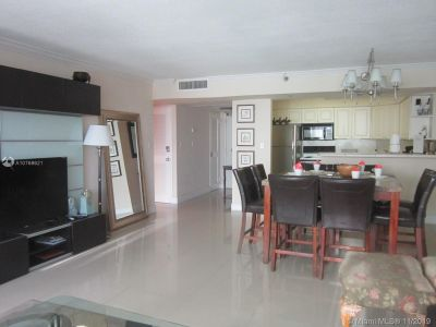 5225 Collins Ave #1518 photo013